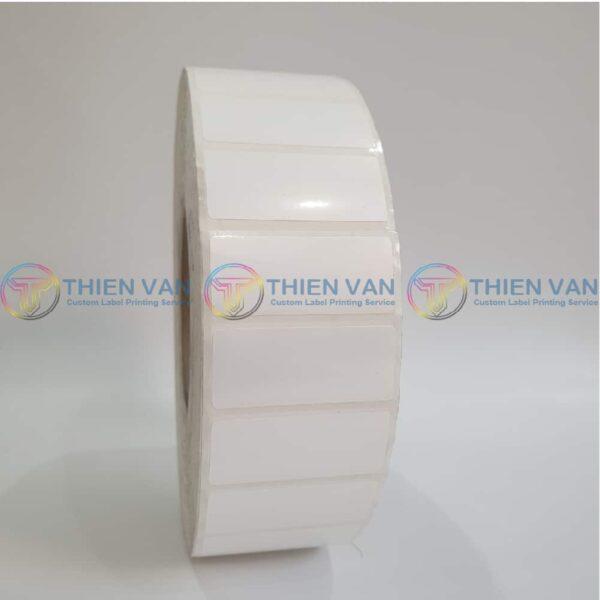 Decal Giay Tem Nhan Sticker Nhua Pvc 47mm X 20mm 1 Tem Ngang (1)